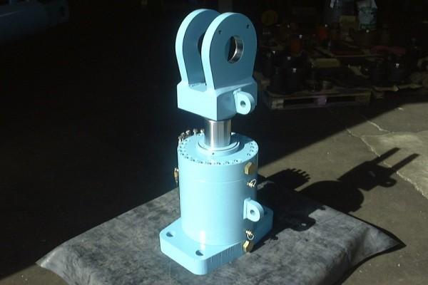 Bespoke Hydraulic Cylinder